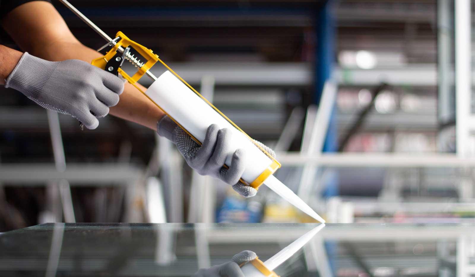 aluminium-window-silicone-adhesive