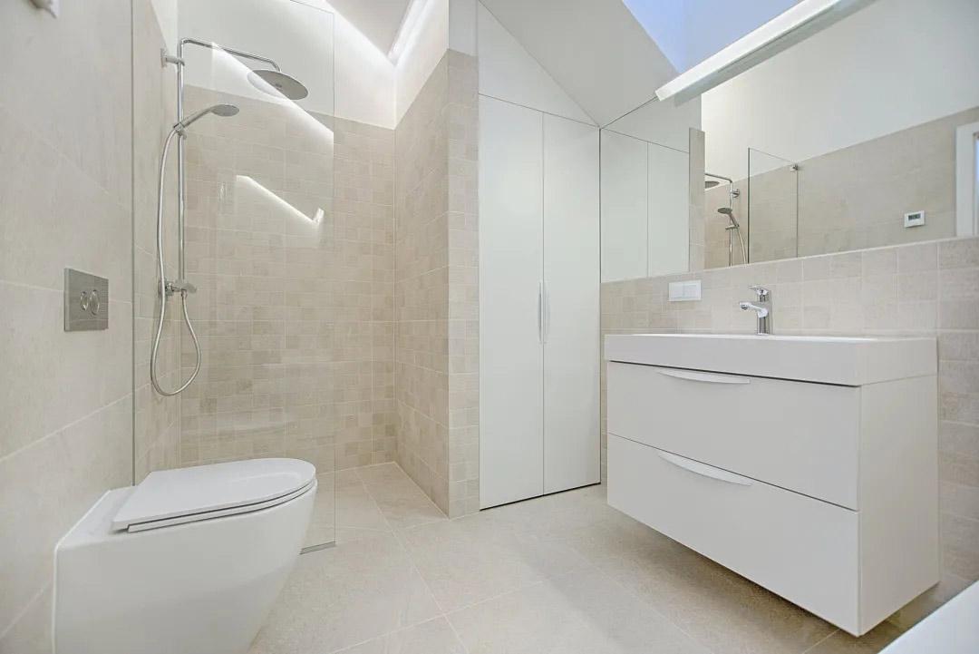 aluminum-door-for-bathroom